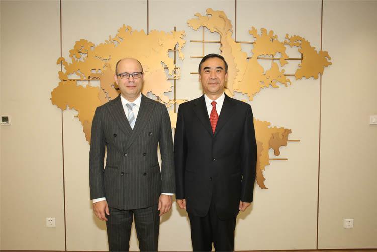 国家卫生健康委员会副主任李斌会见白俄罗斯驻华大使鲁德